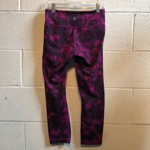 lululemon athletica Pants - Lululemon purple & black crop leggings sz 4 59796
